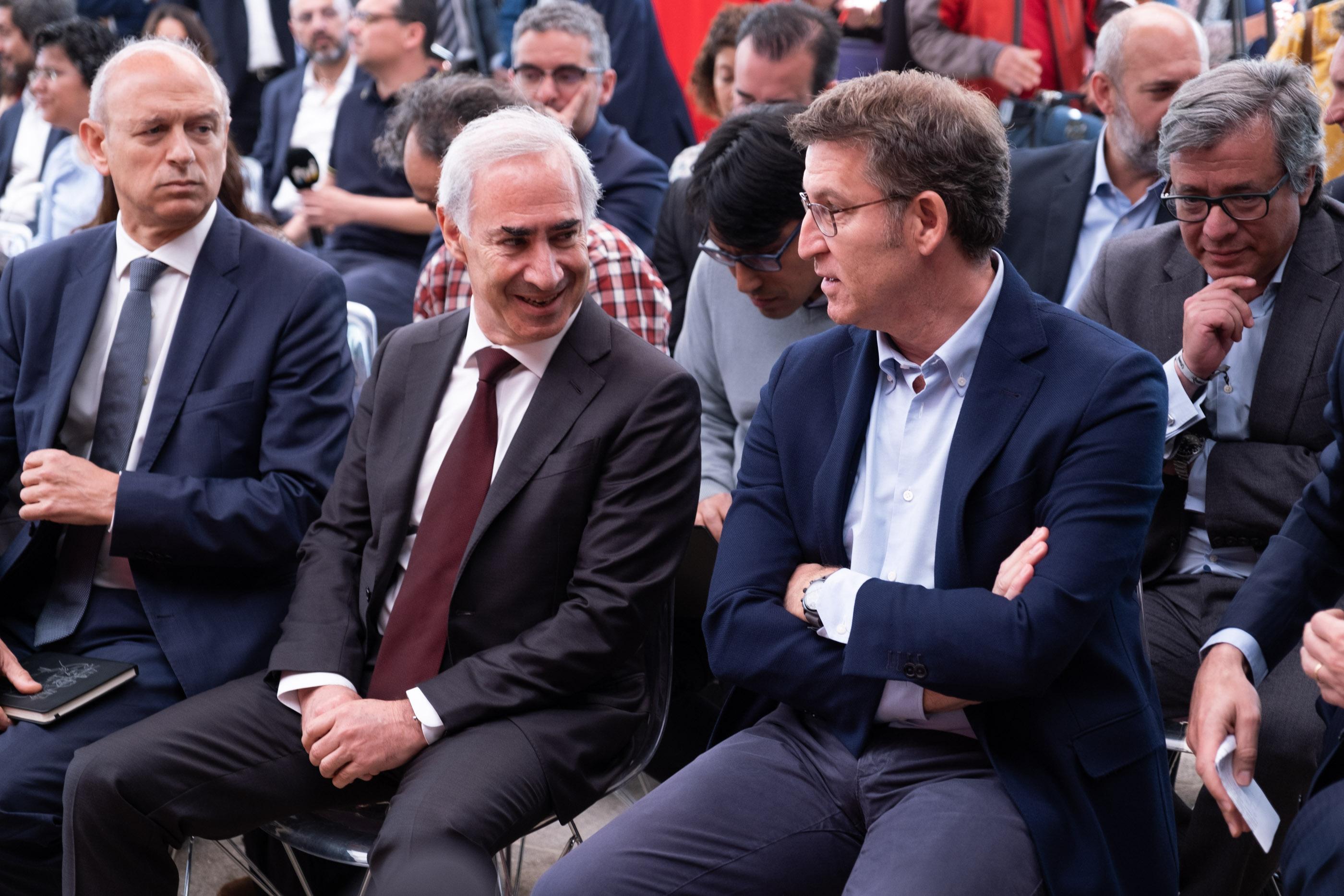 O presidente da Xunta asistiu esta mañá ao acto celebrado con motivo da primeira conexión 5G Vodafone en mobilidade (roaming) a nivel mundial
